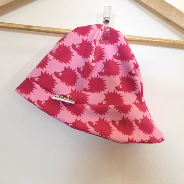 sommerm tze mit igel pink. Black Bedroom Furniture Sets. Home Design Ideas