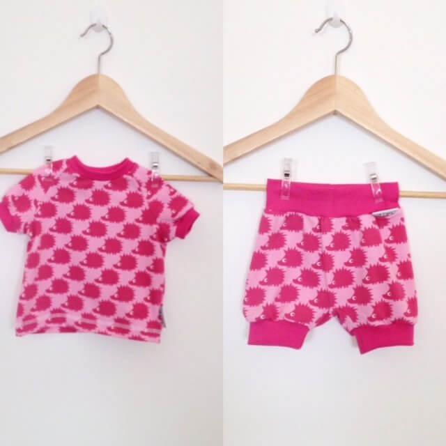 Set aus T-Shirt und kurzer Hose mit Igel pink 62
