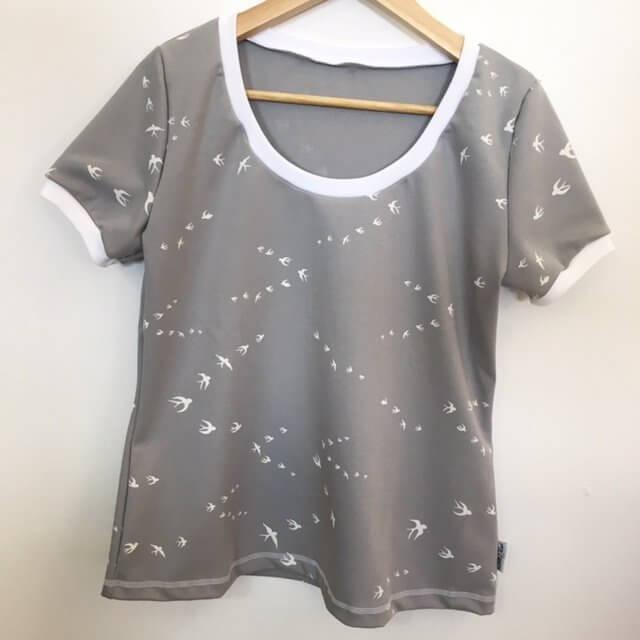 T-Shirt für Mama mit Schwalben grau
