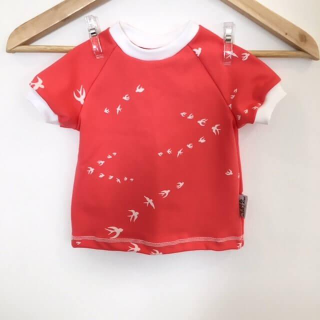 T-Shirt mit Schwalben lachs
