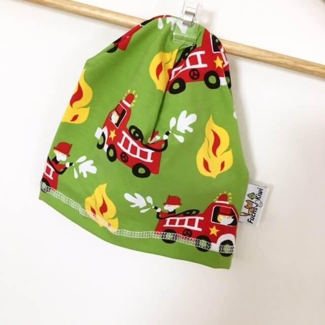 Beanie mit Feuerwehr grün