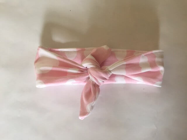 Schleife mit Wolken rosa
