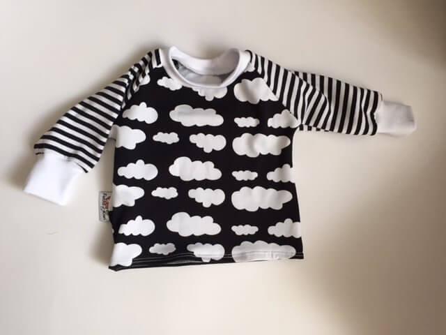 Langarmshirt mit Wolken schwarz