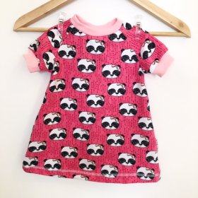 Kurzarmkleid mit Panda pink