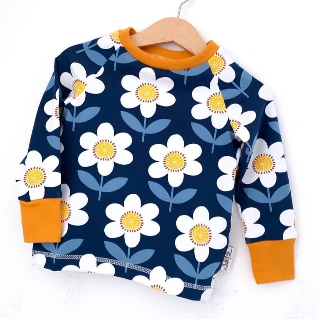 Langarmshirt Blumen dunkelblau/weiss