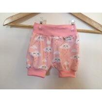 Kurze Hose mit Wolken & Herzen rosa