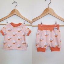 Set aus T-Shirt und kurzer Hose mit Cupcakes rosa 62