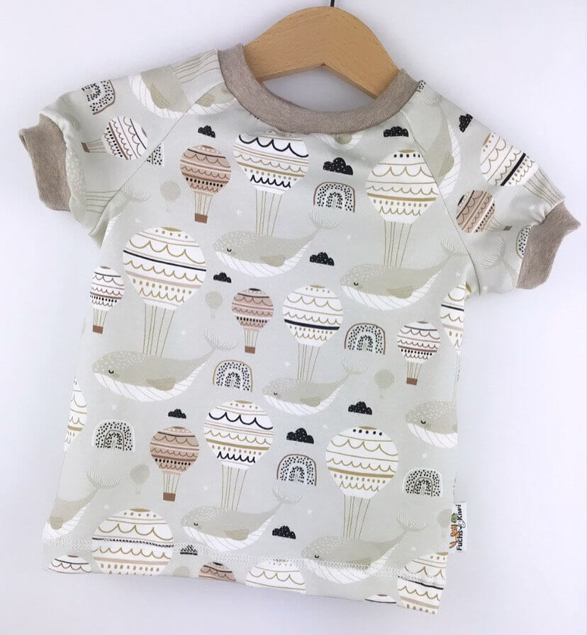 T-Shirt Flying Whale sand
